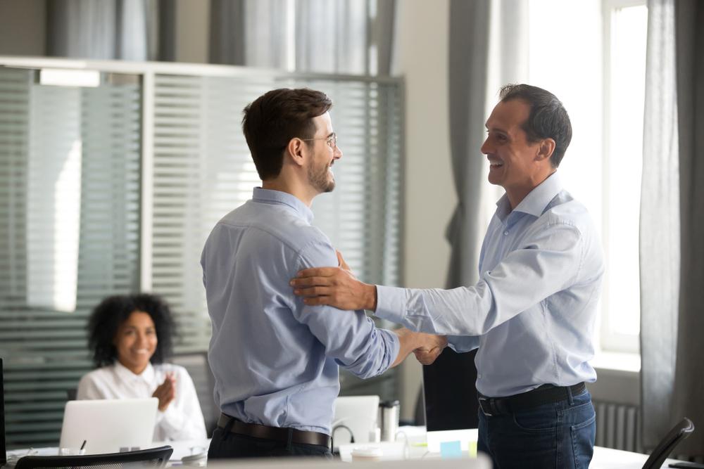 Four impactful ways to praise your teams
